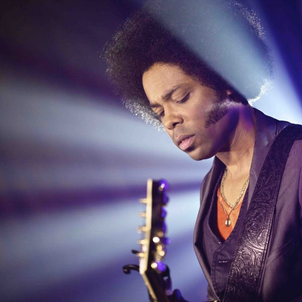 Alex Cuba.  Photo by Chelsea Brooke Roisum