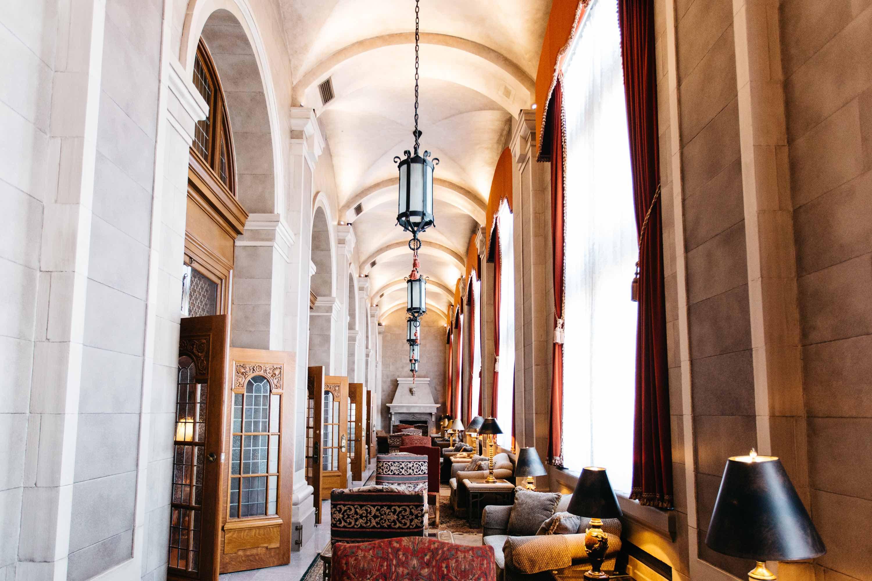 Winnipeg: Fort Garry Hotel