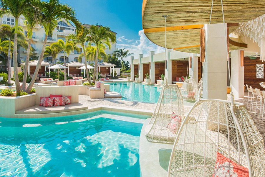 3. TURKS & CAICOS<br />