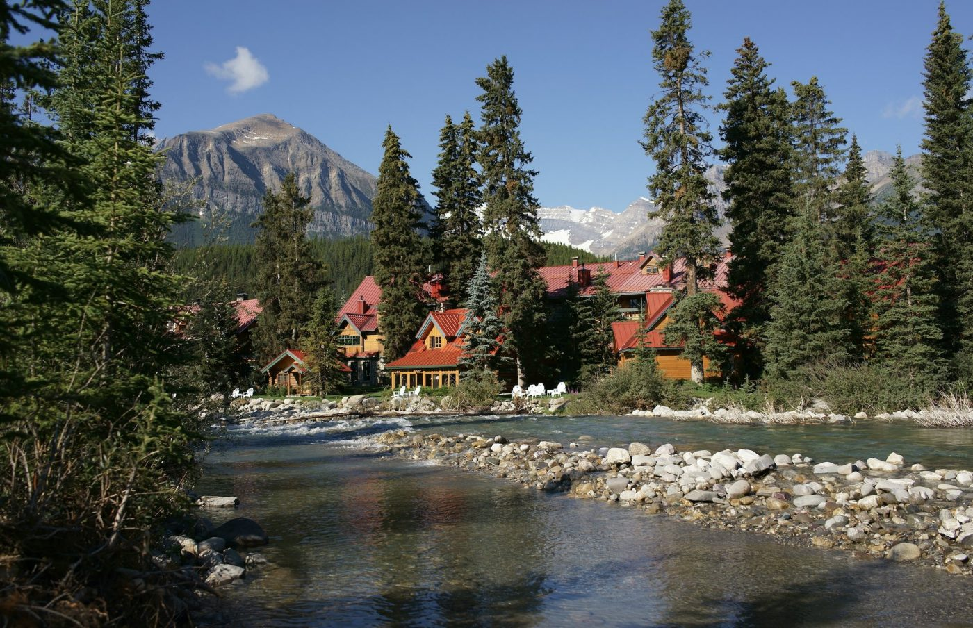 Luxury Retreats Beyond the Rocky Mountains
