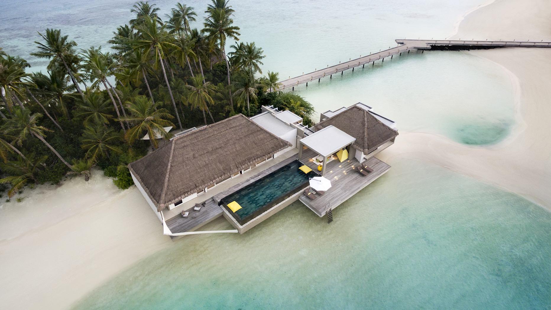 DUBAI & THE MALDIVES<br /></noscript>