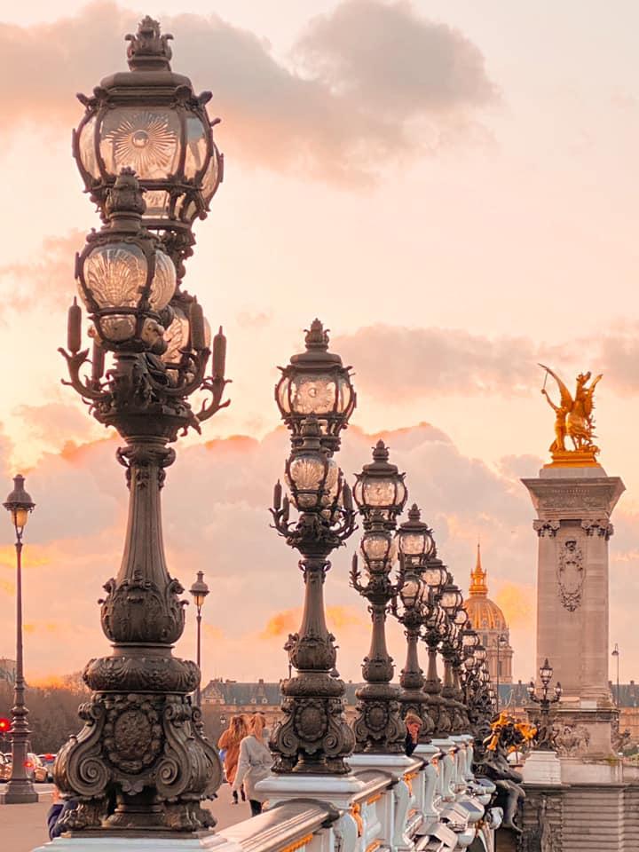 7. Explore the vibrant city of love <br />