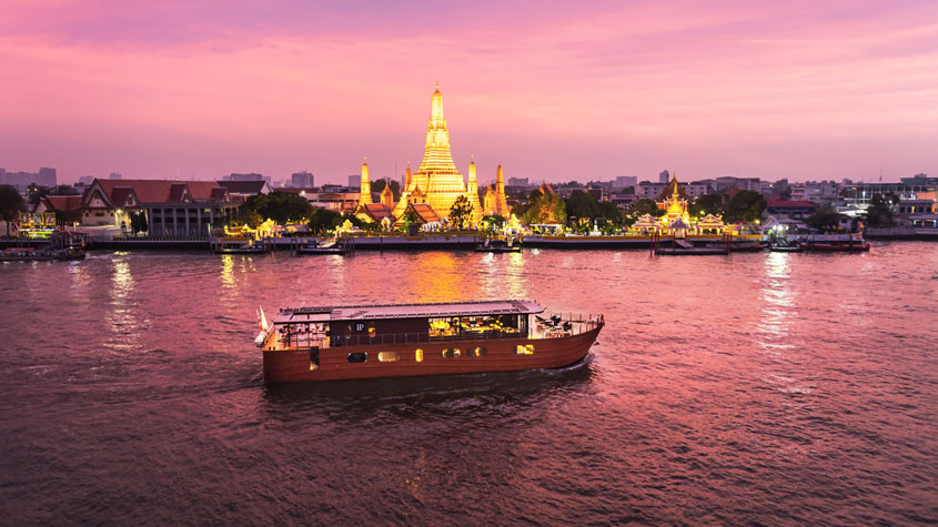 02. Luxe cruise on the River of Kings
