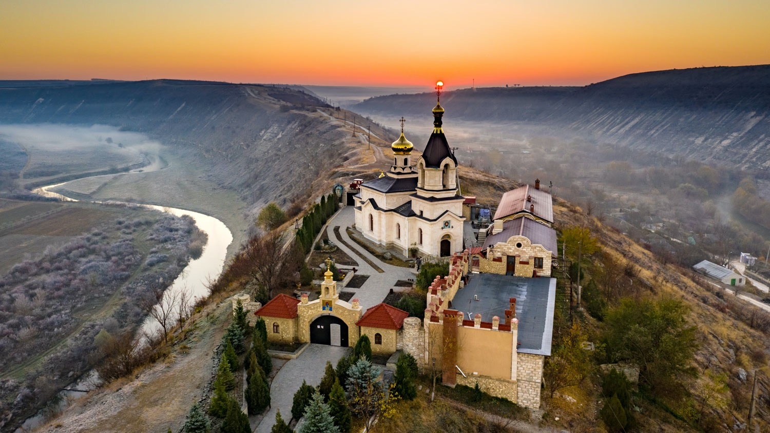 WHAT TO SEE <br /> When you're not wine tasting and touring Moldova's fabulous old-world wineries<br />